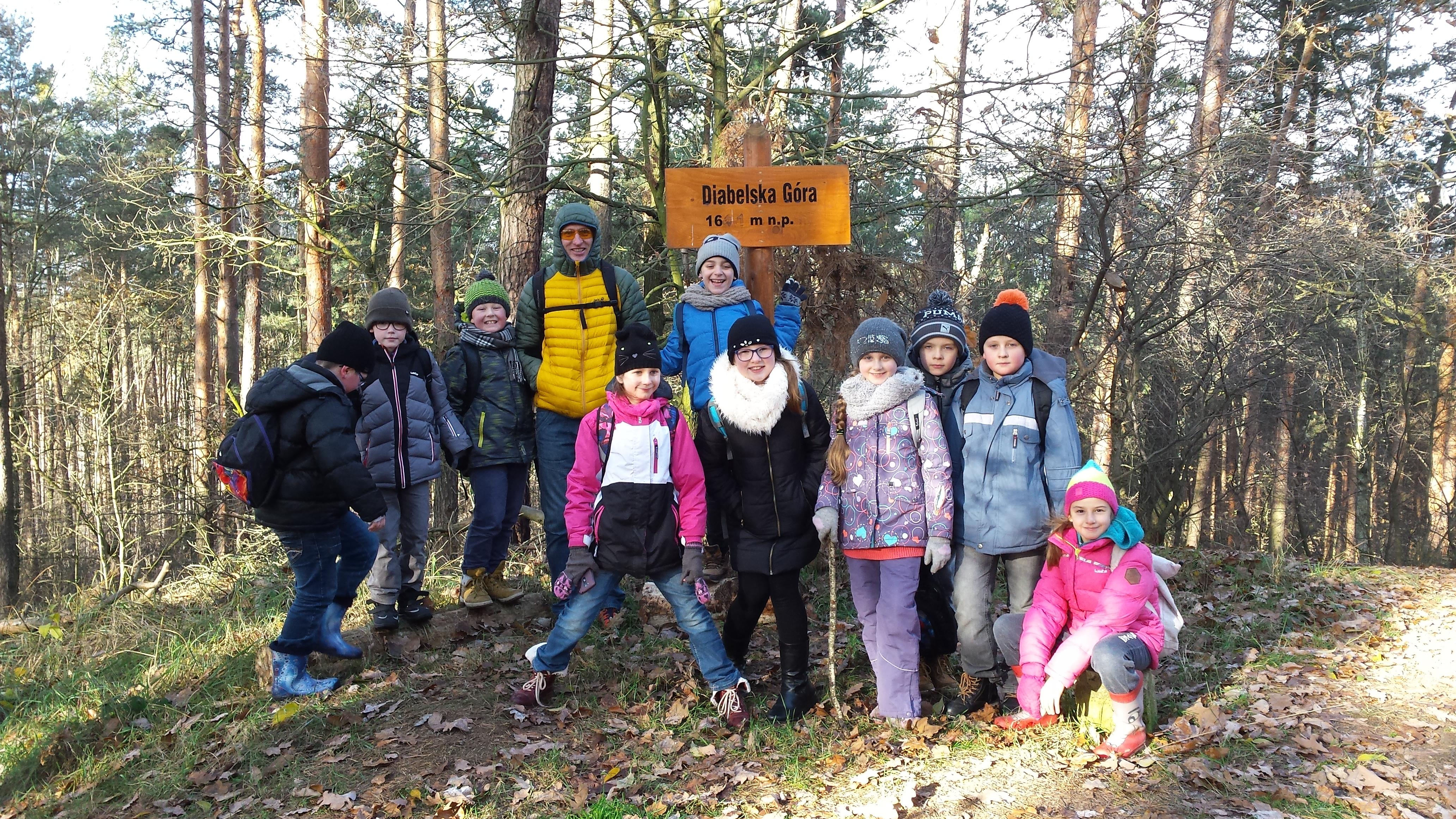 IV na zajęciach w lesie