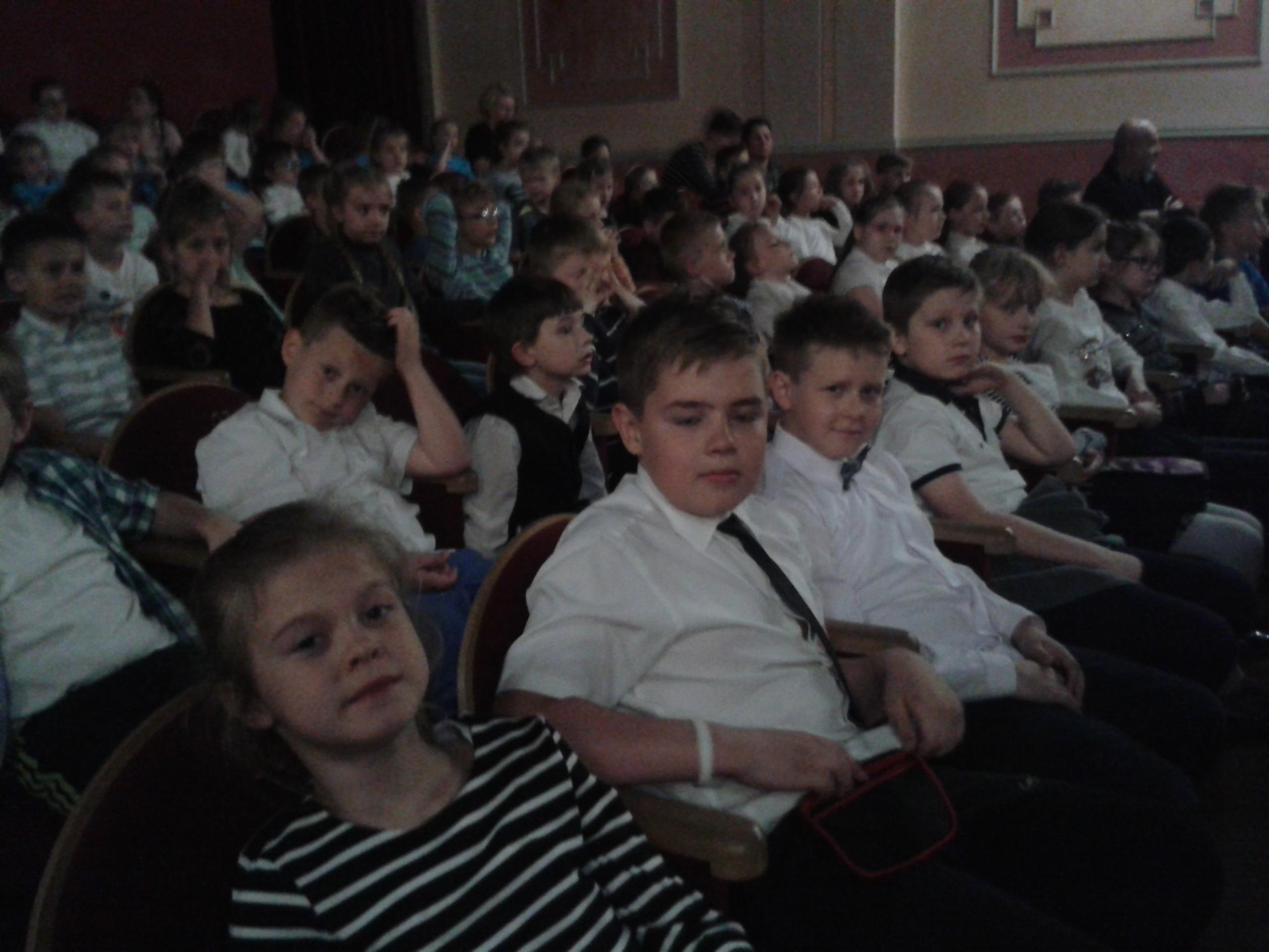 """Wizyta w Teatrze Lalek – """"Czarodziejski flet"""",  25 maja 2017 r."""
