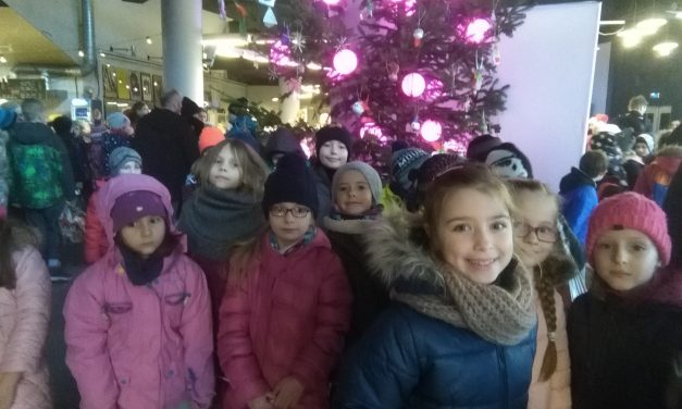 Mikołajki w kinie Helios,    kl. I-II,   5 grudnia 2017 r.
